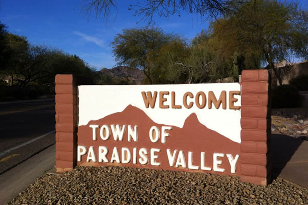 welcome to Paradise Valley Arizona sign